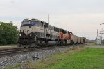 BNSF 9513 begins to slow with N956 as it nears Wyoming Yard