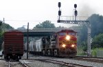 NS train #40A with BNSF 4704 (War Bonnet) (pic 1)