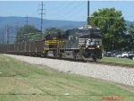 Nickel Plate Hertiage Unit coming into Salem Va on NS 756 coal train