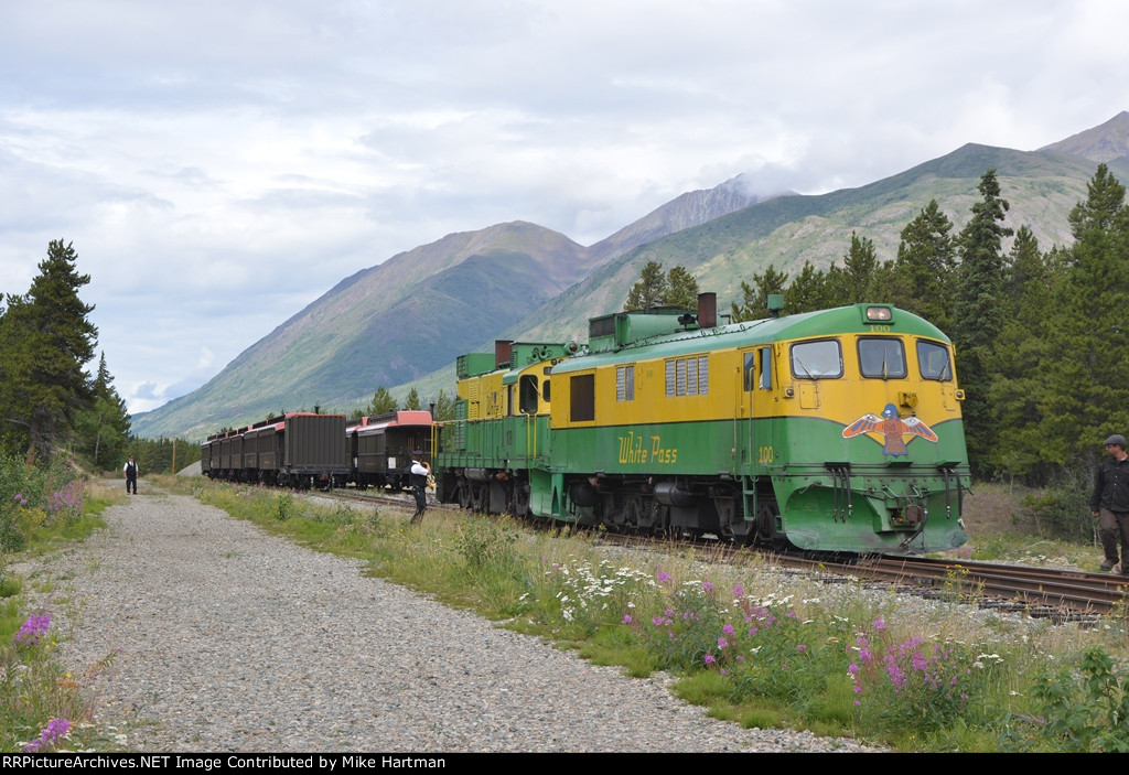WPY 100 & Passenger Train for tourists