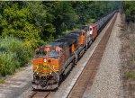 BNSF 4402 leads K011