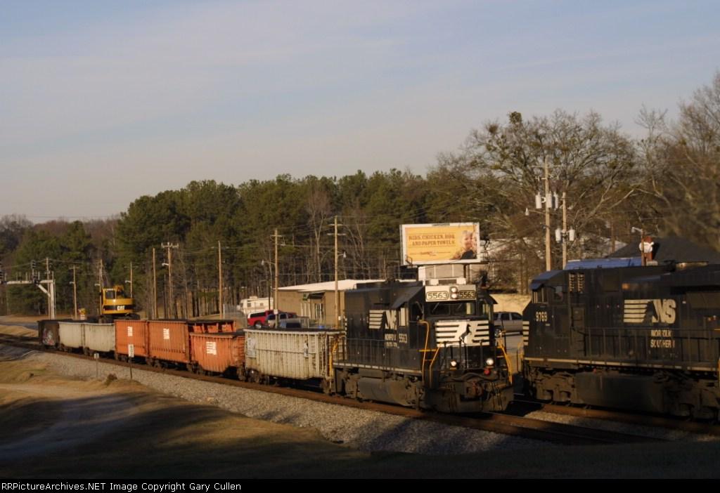 NS Train #238 meets #90Q