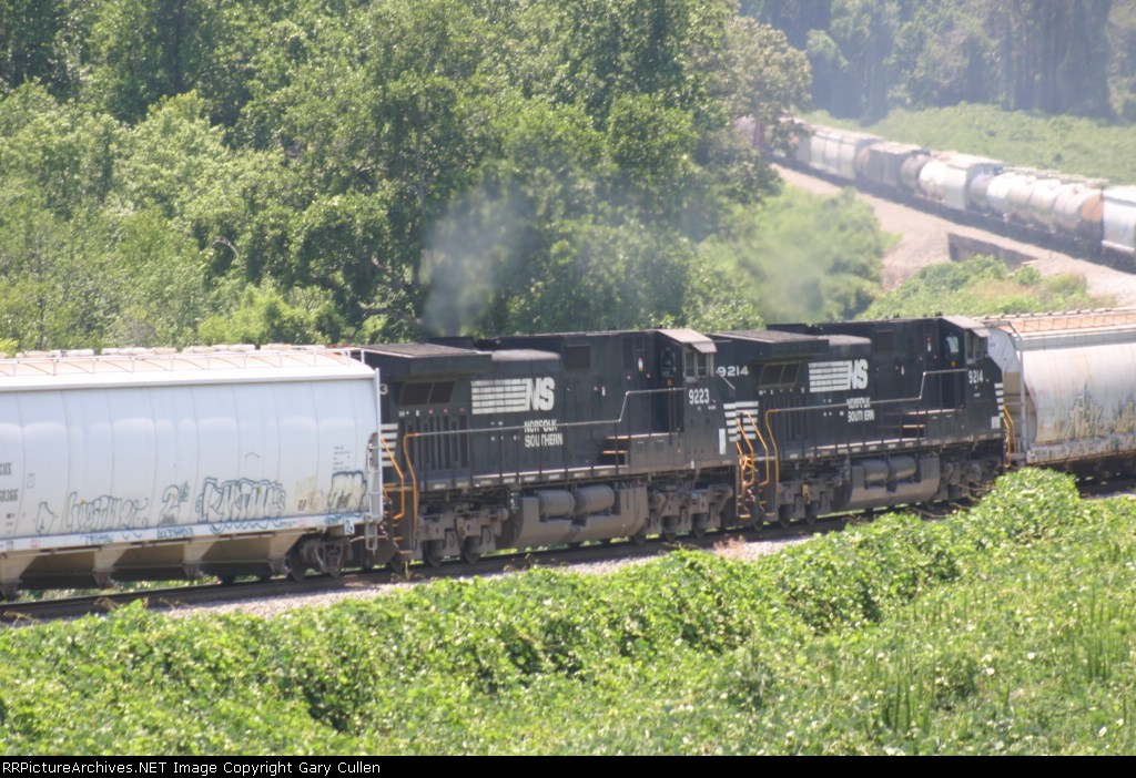 NS Train #172 is the only train in this area that is assigned remote helpers.  Rarely do we see a pair of them!!