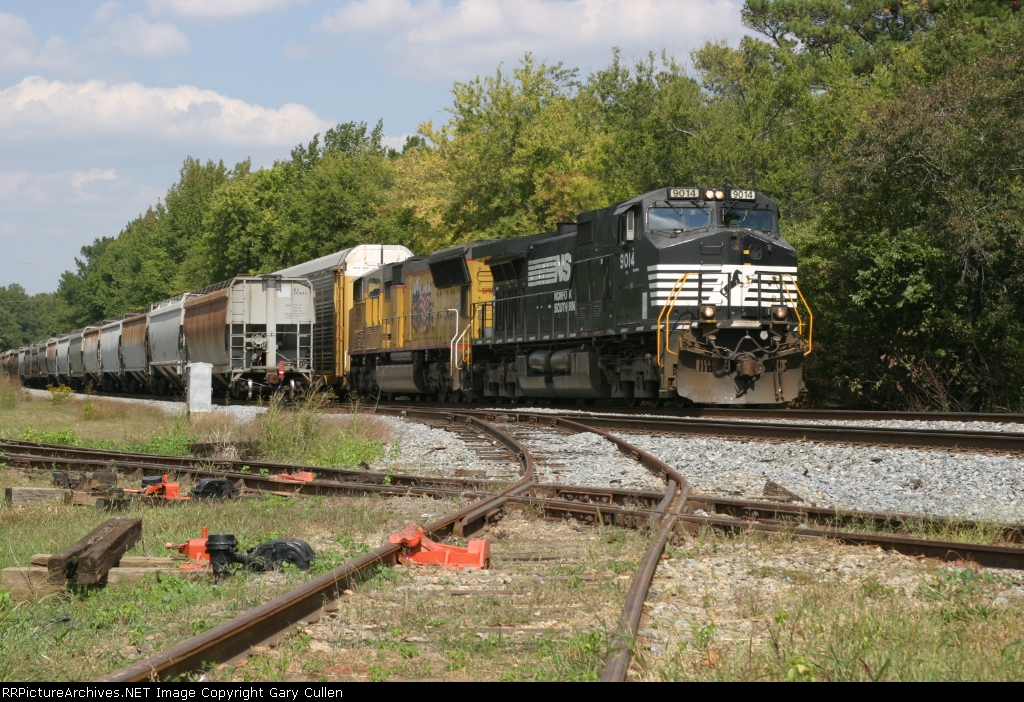 NS203 passes NS118 on an awesome fall day in front of the Southeastern Railway Museum