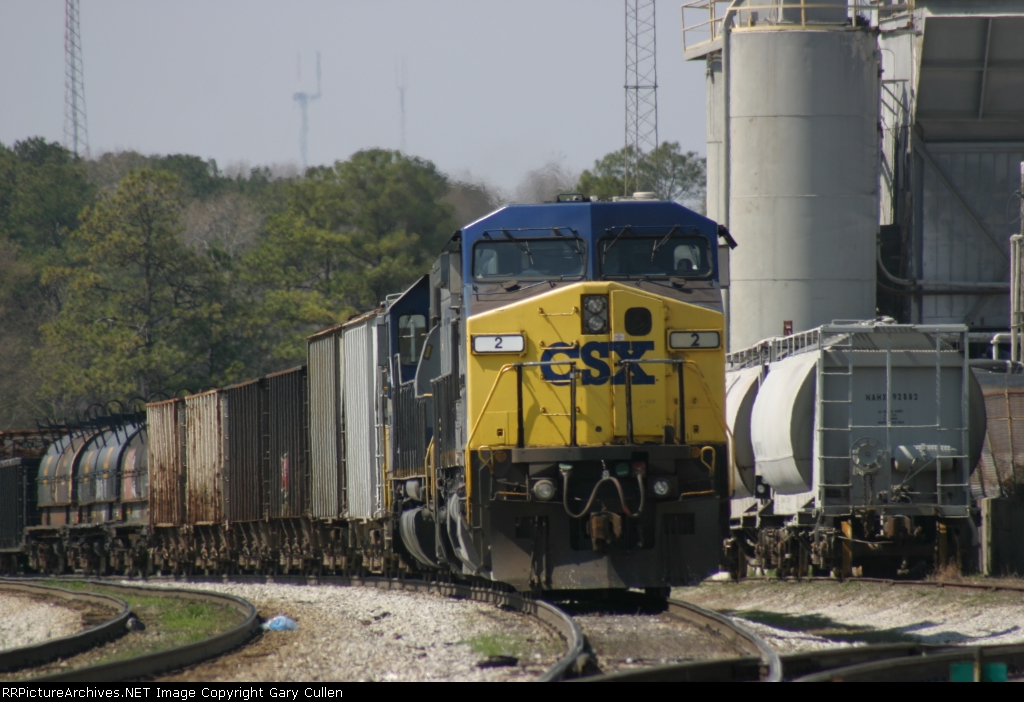 CSX 2 stands by in front of Tucco Materials