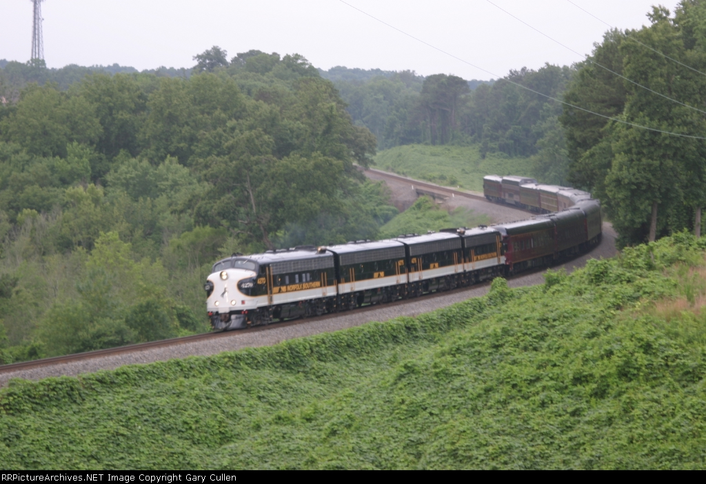 NS OCS #974 northbound passing Suwanee Creek