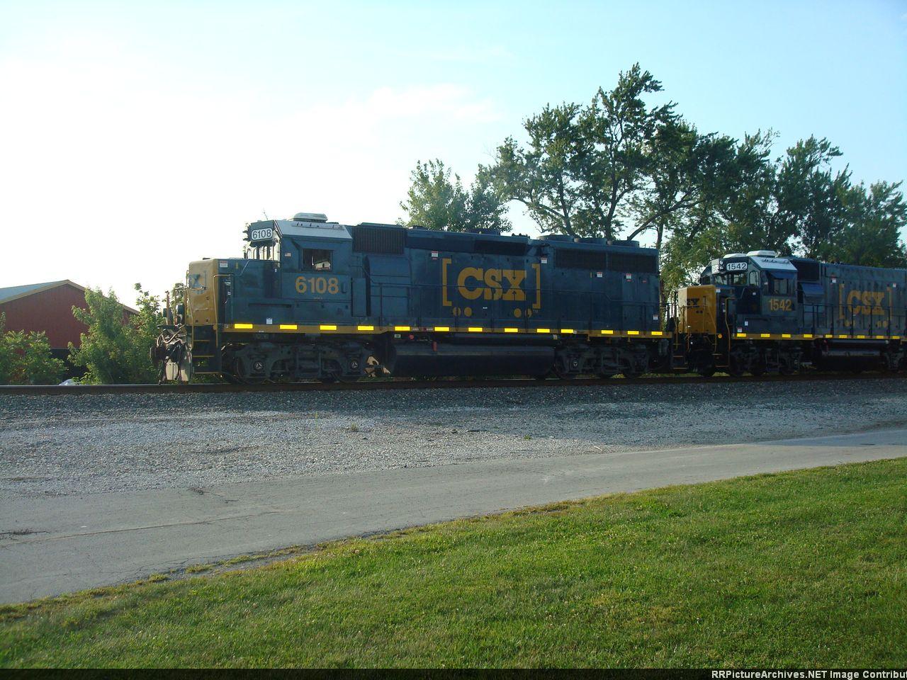 CSX 6108 & 1542