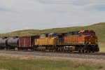 BNSF4722 and UP4235