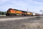 BNSF 5345 and UP 7147