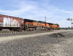 BNSF 992 and 7885