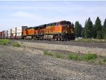 BNSF 6826 and 617