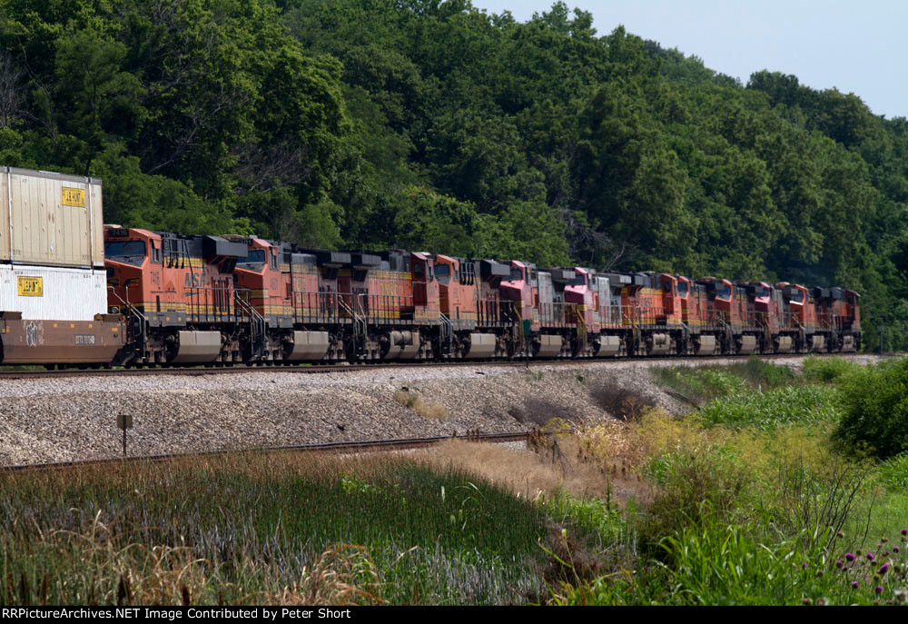 Massive power load of 12 for a short stack train