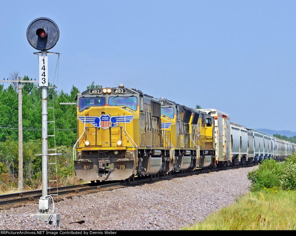 UP   4182,  UP's   Altoona   Sub.