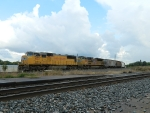 UP 4122 (SD70M) 8448 (SD70ACe)