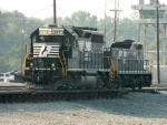 NS 3073 (GP40-2) 931 (RP-E4D)