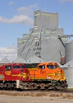 BNSF 8246 and BNSF 5241