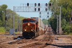 BNSF 6936 rumbles under the CN JCT. signal bridge.