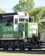 BNSF 2748