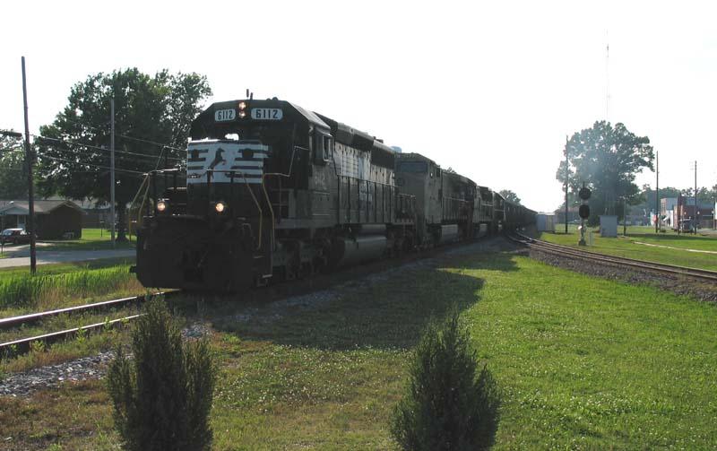 NS 6112 Approaching Selma Jct