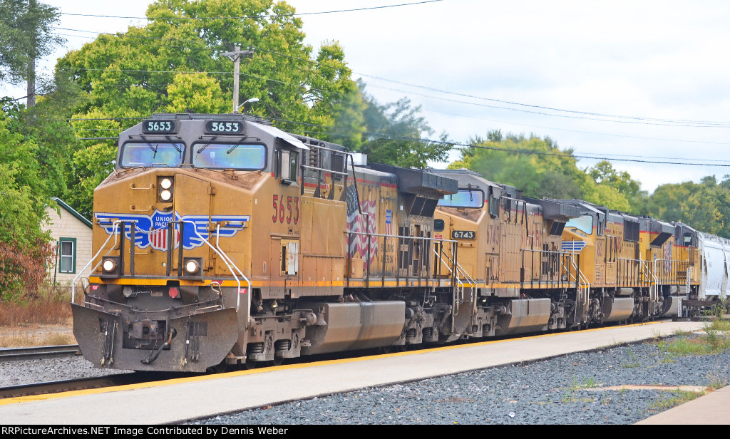 UP  5653,   CP's   Tomah    Sub.