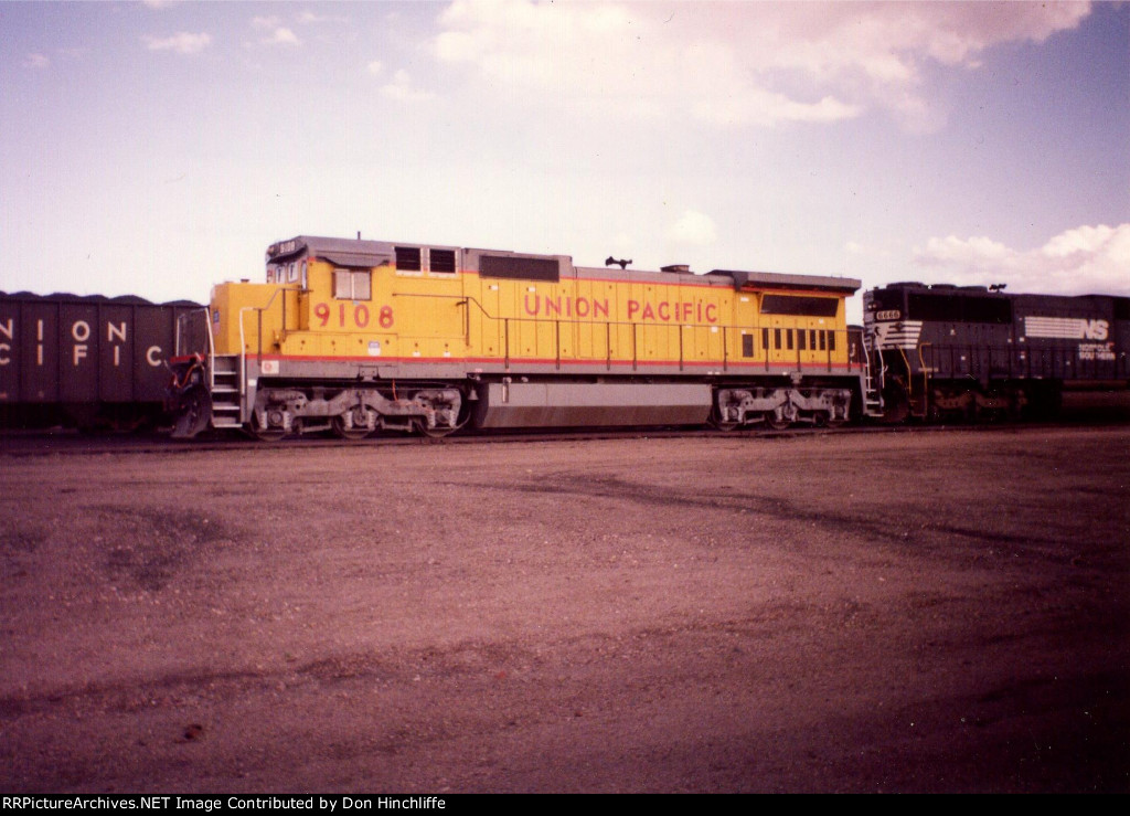 UP 9108 - C40-8 - Laramie WY - 5-14-1992