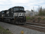 Mar 25, 2006 - NS 8901 leading train 140 passes mp 486