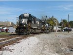 October 30, 2011 - NS 2573 leads train 213