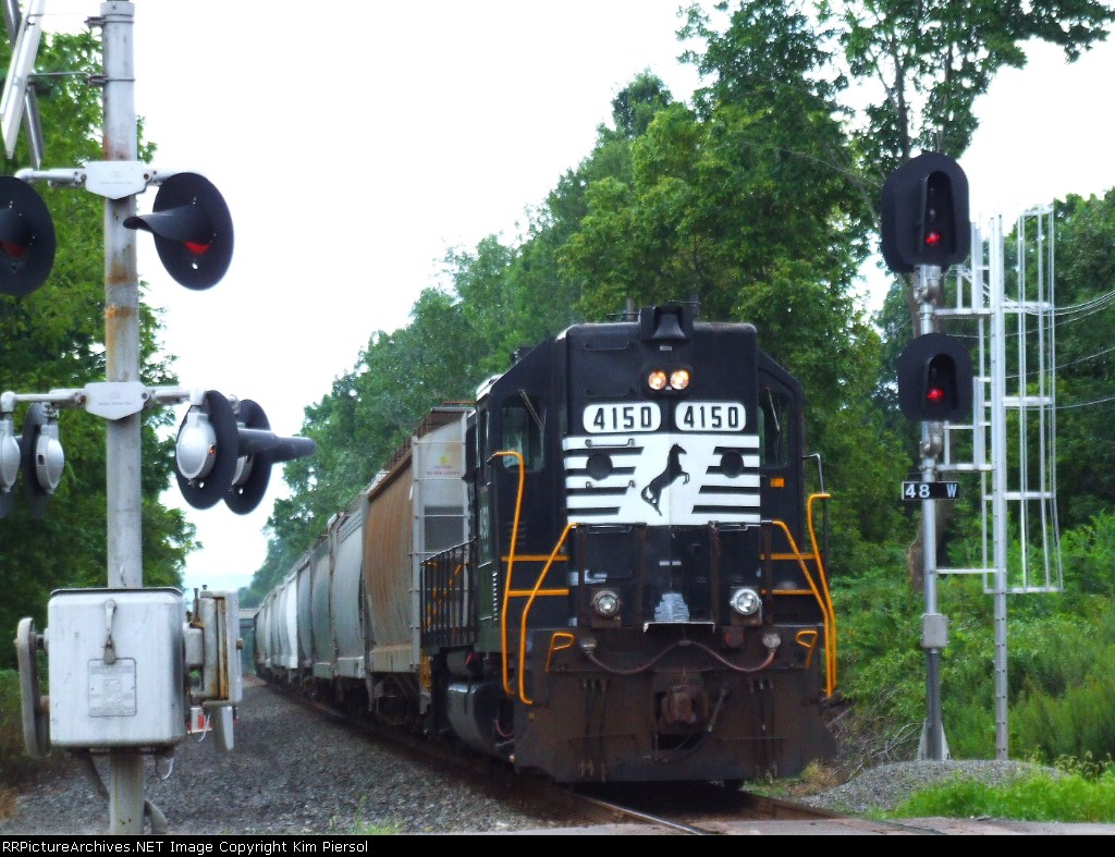 NS GP38s on Push-Pull Local