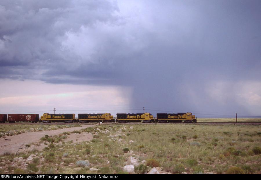 Arizona storm and SF B40-8s near Winslow