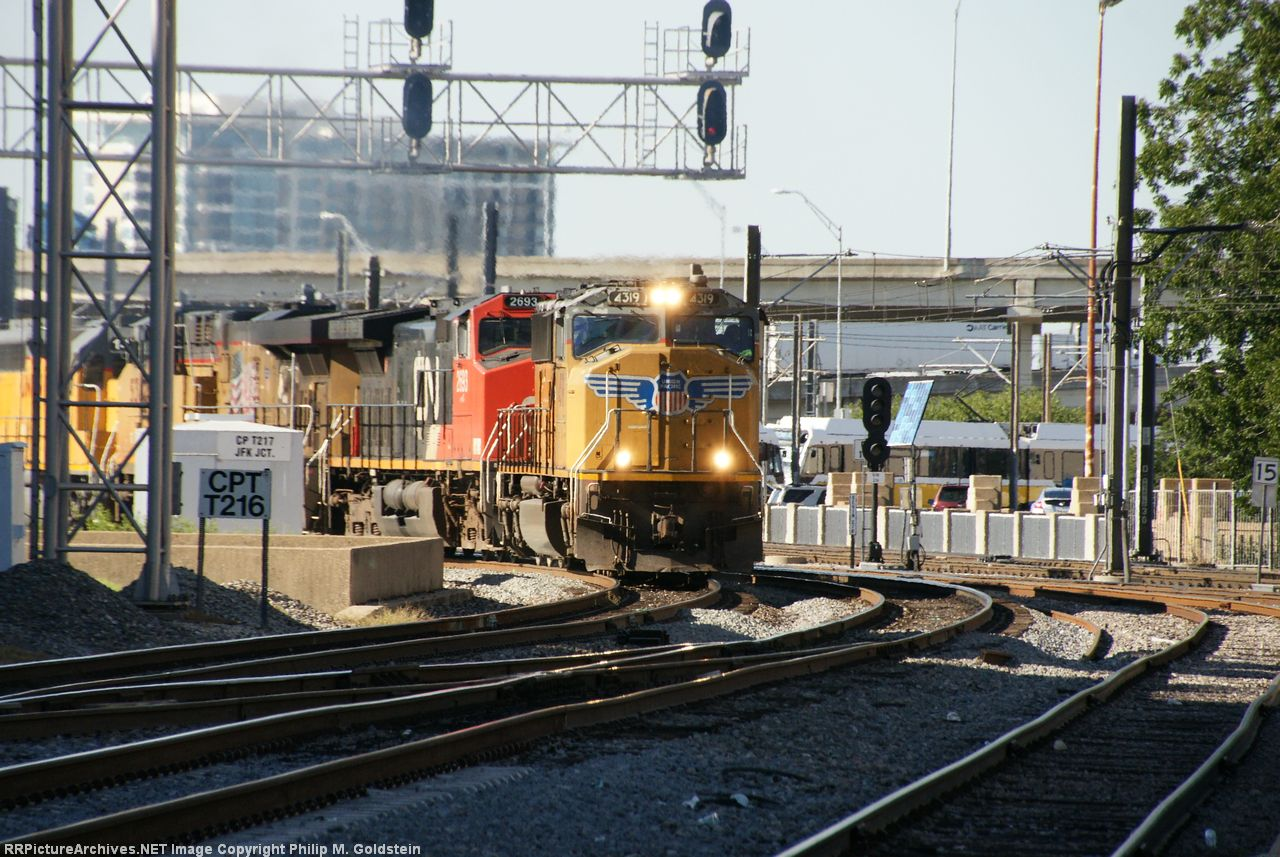 8 engines: UP 4319, CN 2693, UP 5382, UP 1487, UP 7965, UP 8373, UP 5176, UP 9796 @ JFK Jct.