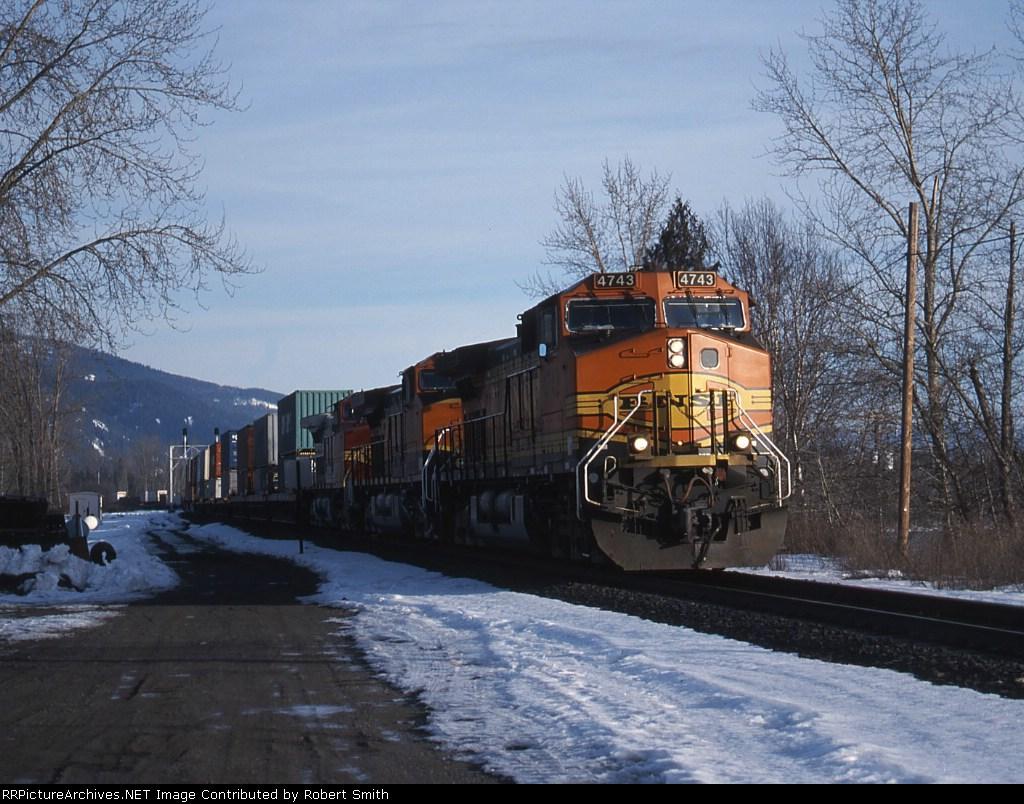 BNSF 4743