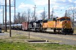 BNSF SD70MAC 8936 leads 65W/FC81