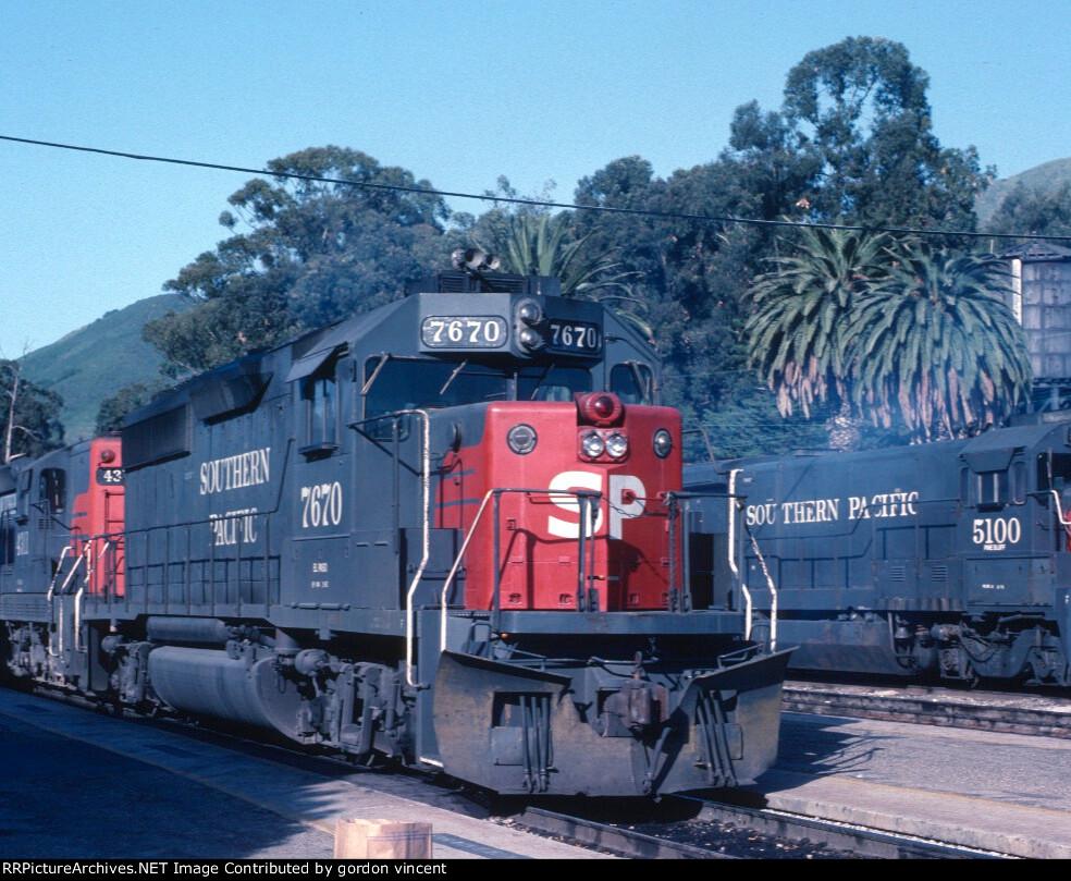 SP GP40-2