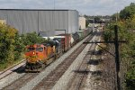 Recrewed around Lansing, Q335 rolls down the Sunnyside Lead with BNSF 4992 & CSX 6143 for power