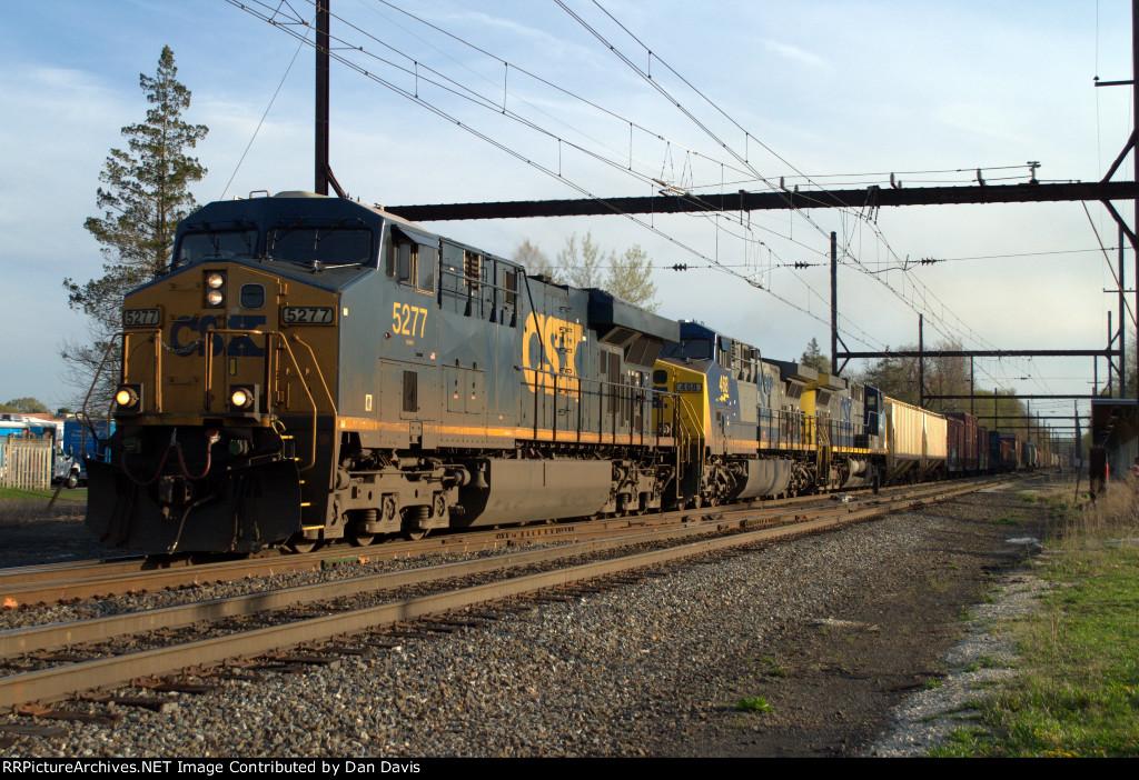 CSX ES40DC 5277 leads Q410-19