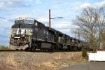 NS ES44AC 8074 leads 17G