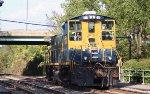 CSX 1137 as train Y806