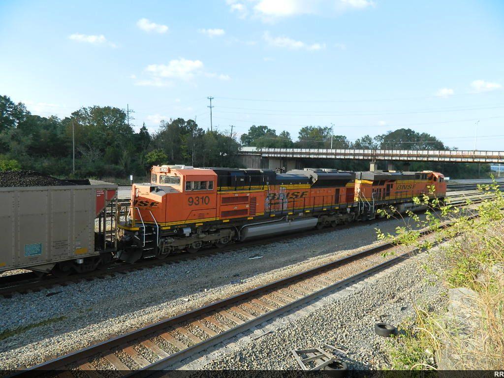 BNSF 6063(ES44AC) 9310(SD70ACe)