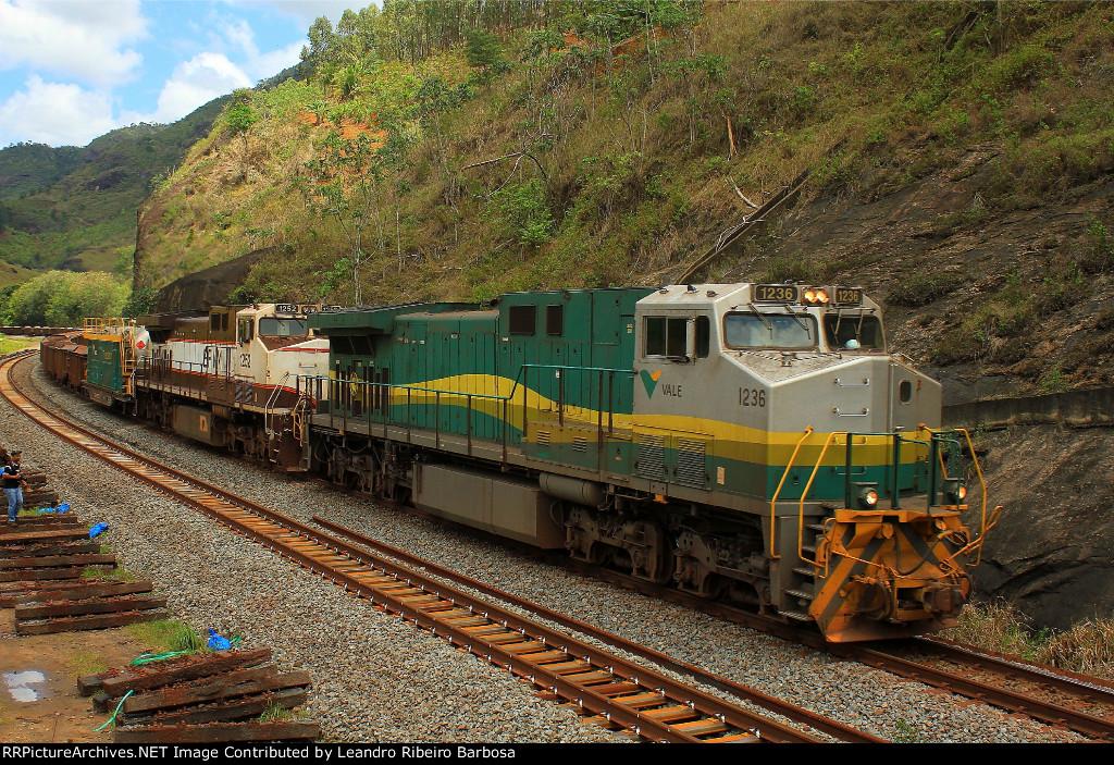 Trem verde da VALE
