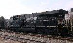 NS 8118 rear