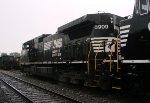 NS 8909 rear