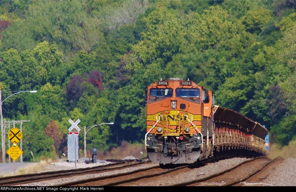 BNSF 5024 West