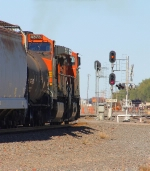 BNSF 4921 departing after 45 minute wait