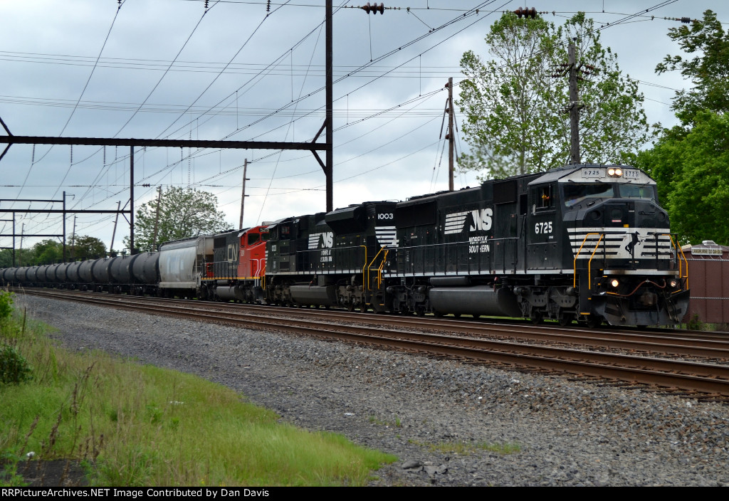 NS SD60I 6725 leads K497-23