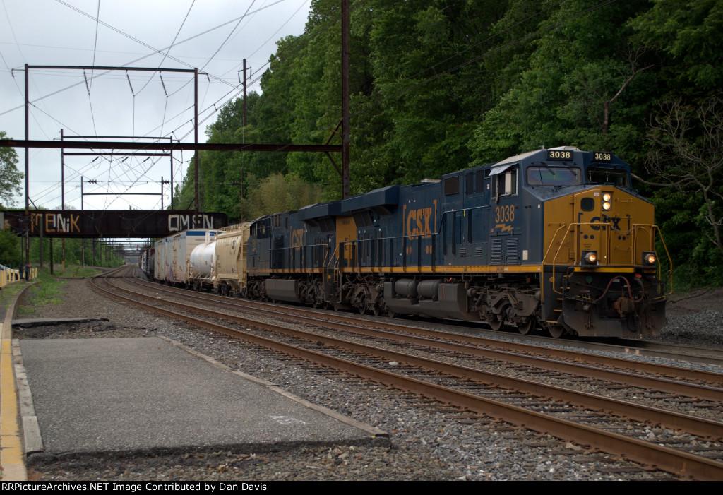 CSX ES44AH 3038 leads Q417-24
