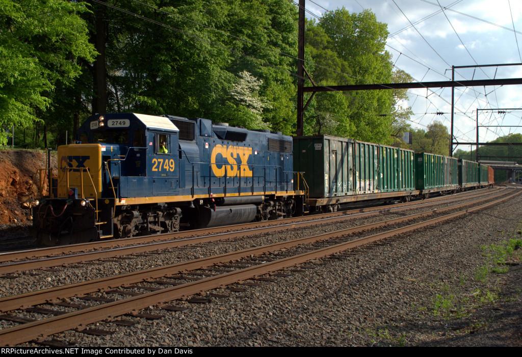 CSX GP38-2 2749 leads Q706-09