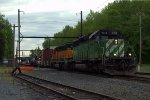 HLCX SD40-2 7014 leads Q417-14