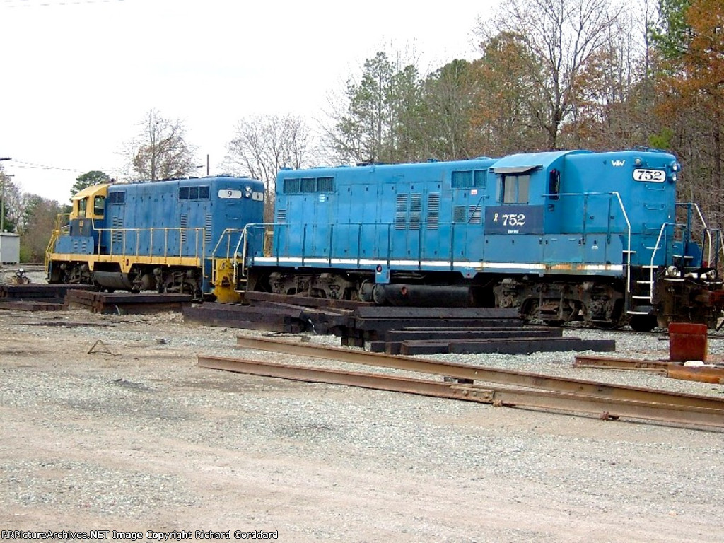 BBR #9 and ex Wincester & Western #752