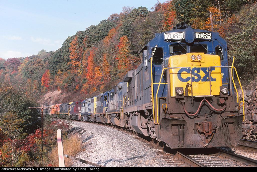 CSXT 7085 on Q384-15