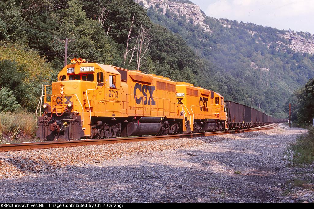 CSXT 9713 & 9719 on W052-05